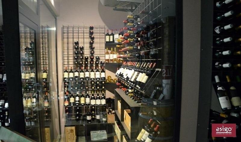 Esigo 2 Net wall mount wine rack design