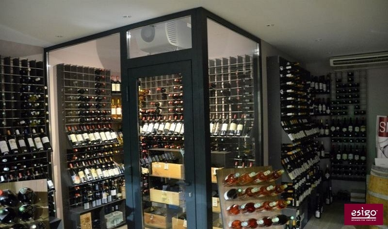 Design wine furniture with Esigo 2 Net metallic wine rack
