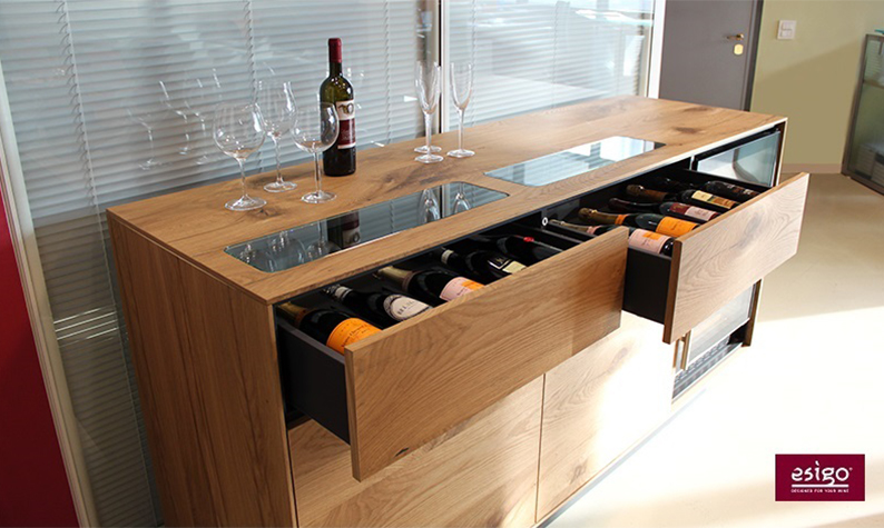 Wine cabinet with refrigerated wine cellar